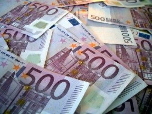 Maksuhäiriöisten suomalaisten määrä ei kasvanut euros 8